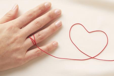 赤い糸 写真素材