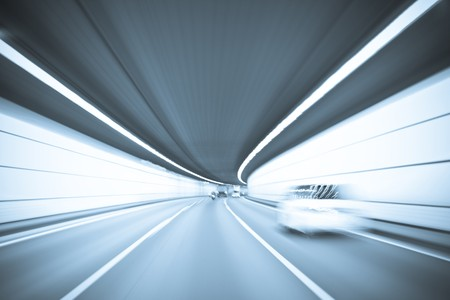 speed line: Tunnel
