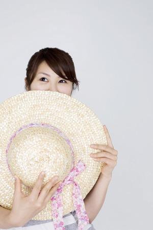 chapeau paille: Chapeau de paille et les femmes Banque d'images