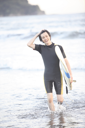 enoshima: Enoshima surfer