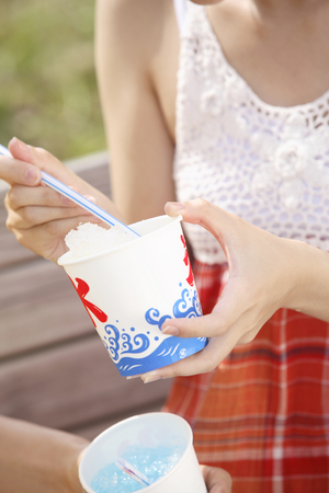 shaved: Couples image to eat shaved ice Stock Photo