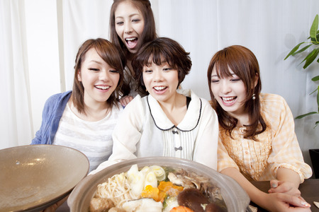 japanese people: Women who open the lid of the pot