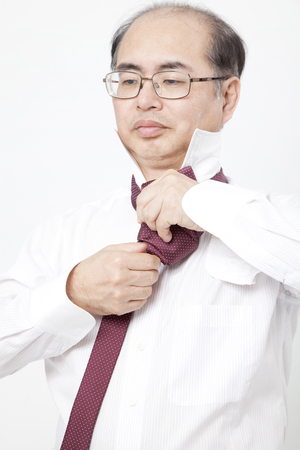 thinning: Tighten the tie thinning hair men