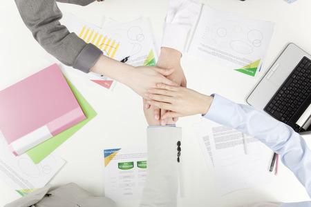 Zakenman om de hand aan te passen