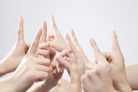 dedo indice: Mano levant� su dedo �ndice Foto de archivo