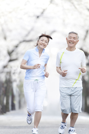 Senior couple jogging 版權商用圖片 - 39852015