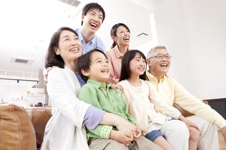 Van grote gezinnen tv kijken