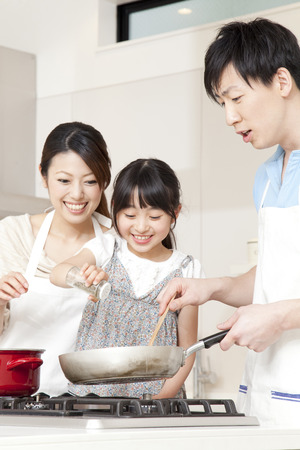 asian old man: Parent and child cooking
