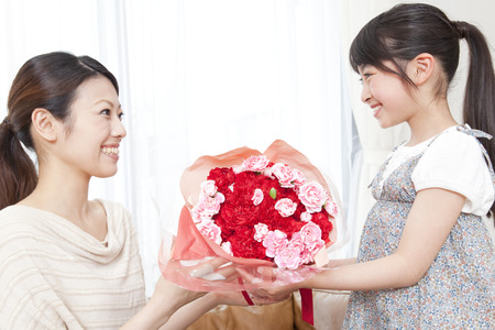 Mother and child of Mother's Day 版權商用圖片 - 43739808