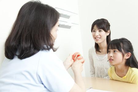 歯科医とカウンセリングに親