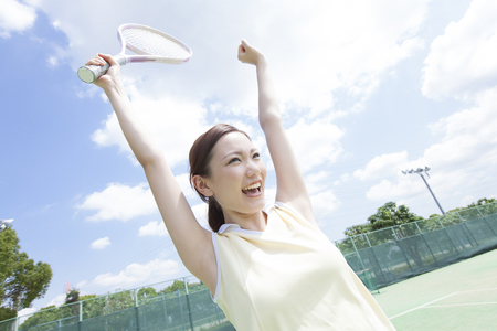 Women who rejoice to decide the point in tennis