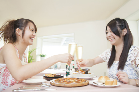 sparkling wine: Woman to toast with sparkling wine