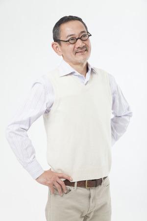 笑みを浮かべてシニア男
