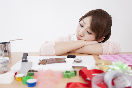 suffer: Women suffer from cake making