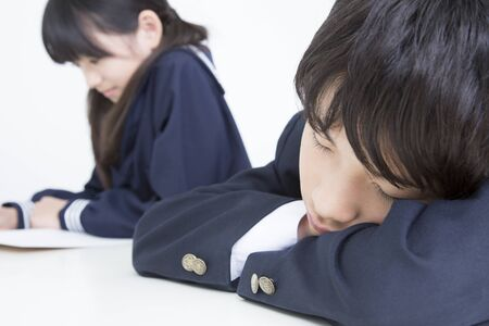 junior high: junior high school students snooze