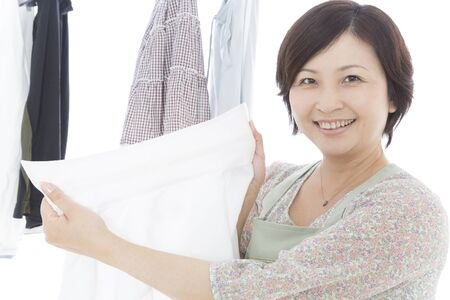 rejoice: Housewife rejoice in white of the shirt