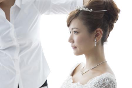 Brides have put the headband