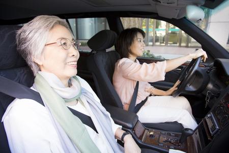 hija: Hija y madre de conducir un coche