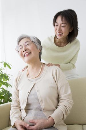 Matka se dostat masáž na dceru Reklamní fotografie
