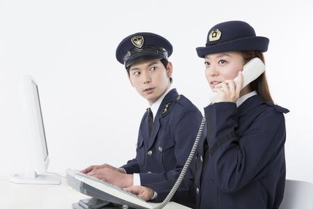 警察官の携帯電話の呼び出しを受信するには