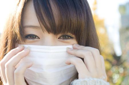女性のマスク