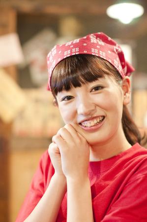 the clerk: regocijan empleado