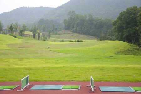 ゴルフ練習場 写真素材 - 49279773
