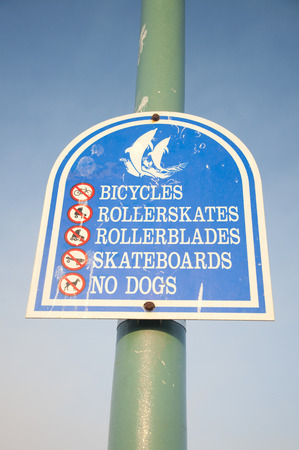 prohibition: Signe d'interdiction