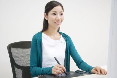 pointing device: Women using the pen tablet