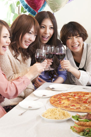 resound: 4 women for a toast with wine