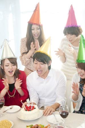 resound: 4 women to celebrate a mans birthday Stock Photo