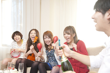 resound: Men and women to the party