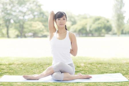 Yoga für Frauen Lizenzfreie Bilder