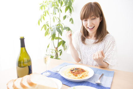 early thirties: Women to eat Stock Photo