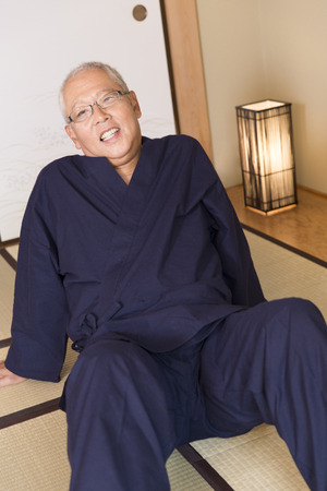 with ease: The senior men to ease in the Japanese-style room
