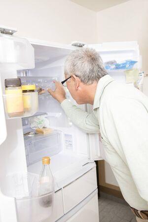 rummage: Senior hunts a refrigerator man