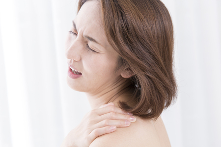 stiffness: Women who suffer from shoulder stiffness