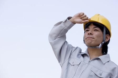 工事現場で働く男性 写真素材