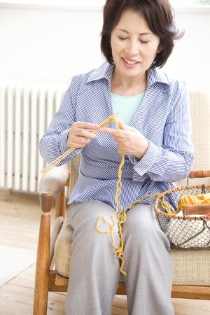 Women to the knitting