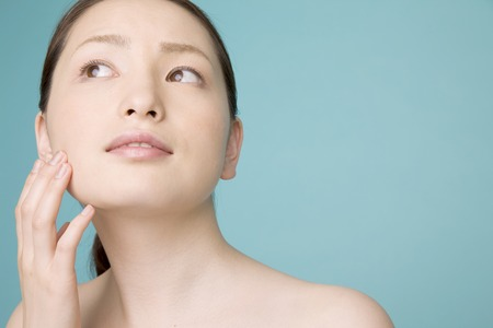 healing with sound: Women use beauty care
