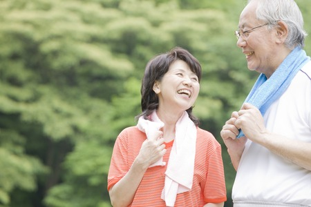 Ouderen koppelen dat de beweging in het park