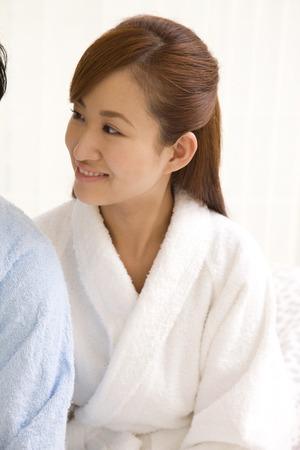 oriental bathrobe: Couples discuss wearing a bathrobe