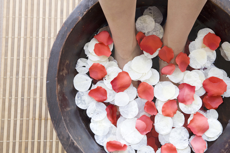healing with sound: Feet of the women subjected to footbath