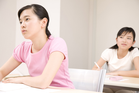 cram: Two girls who are studying in cram school