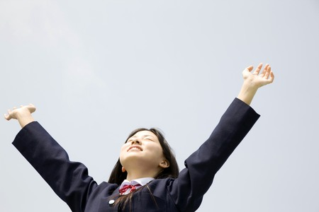 Junior high school girls to the cheers