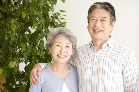 An elderly couple have to laugh Banque d'images