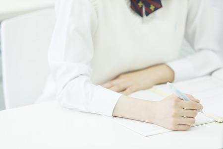 勉強する女子高校生 写真素材