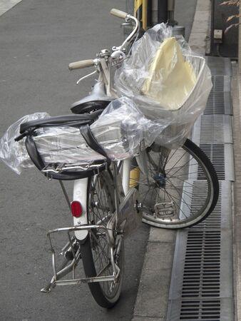 自転車新聞配達 写真素材