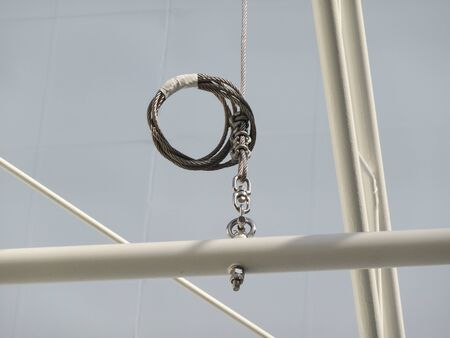 wire rope: Hanging wire rope