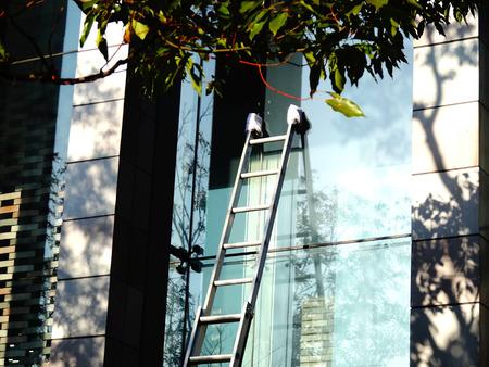 窓清掃のはしご
